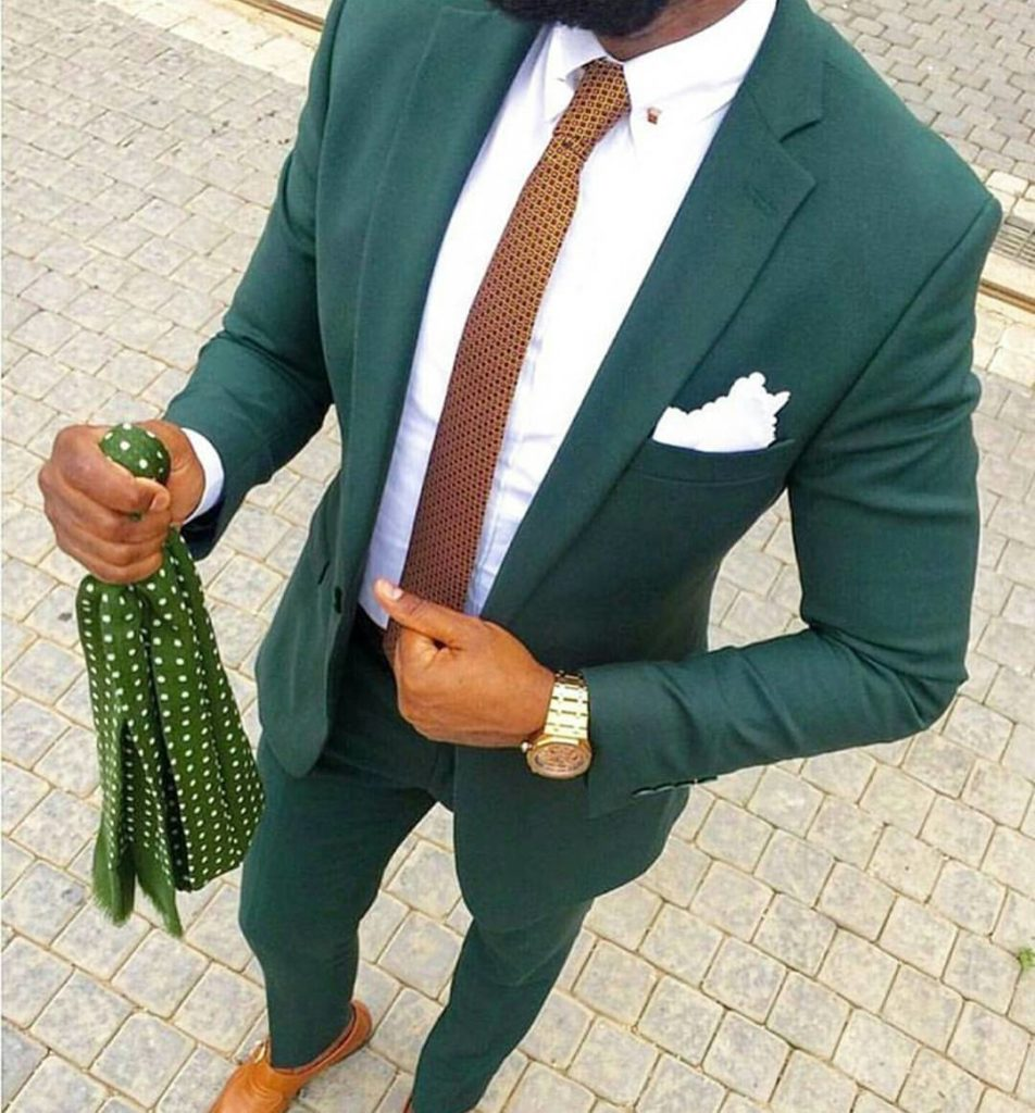 3 Reasons to Try the Skinny Tie at Your Wedding